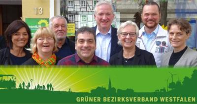 Der neue Vorstand: Zaklina Marjanovic, Dagmar Hanses, Rainer Bode, Paulino Barone, Norwich Rüße, Maria Klein-Schmeink, Gerrit Heil und Dr. Anne-Monika Spallek.